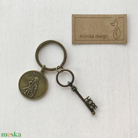 Exupery -Kis herceg  mintás egyedi kulcstartó - Artiroka design (Mesedoboz) - Meska.hu