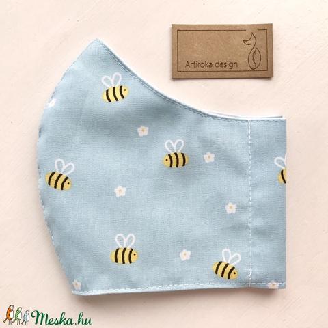 Méhecske és virág mintás pasztell szürke ( kék és rózsaszín ) színű prémium maszk, arcmaszk - Artiroka design (Mesedoboz) - Meska.hu
