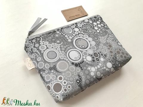 Ezüstszürke buborékos, irattartó neszesszer, pénztárca - Artiroka design - Meska.hu