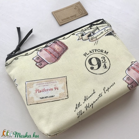 Harry Potter,  Hogwarts Expressz mintás prémium irattartó pénztárca, neszesszer - 9 3/4 vágány - Artiroka design - Meska.hu