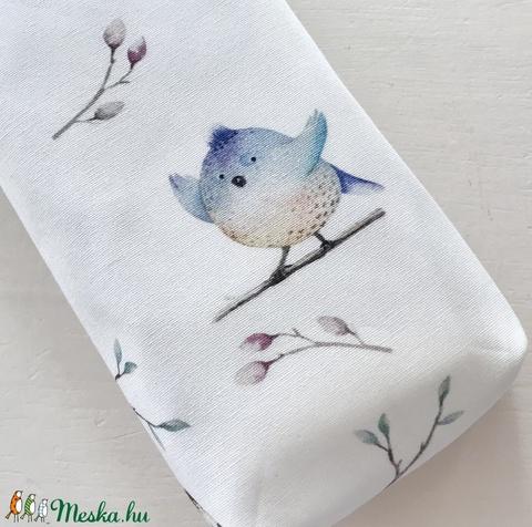 Madár mintás, natúr tojáshéj színű, bélelt papírzsebkendő tartó - Artiroka design  - táska & tok - pénztárca & más tok - zsebkendőtartó - Meska.hu
