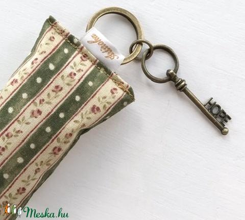Rózsás kulcstartó kis vintage kulccsal - Hope azaz remény kulcs medállal -  Artiroka design - Meska.hu