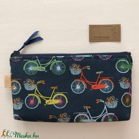 Színes bicikli mintás, sötétkék prémium tolltartó, neszesszer vagy szemüvegtok - Artiroka design - Meska.hu