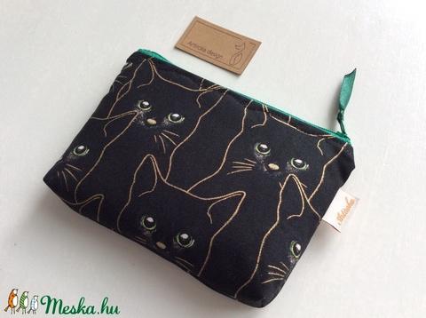 Fekete cica, zöld szemekkel - irattartó pénztárca arany kontúrral prémium textilből - Artiroka design - Meska.hu