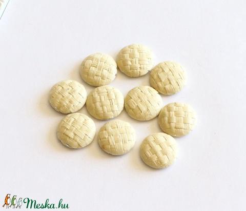 Bambusz gomb, lapos gomb, bambusz kaboson, fém hátú, beige gomb, 17 mm, 10 db / csomag - Meska.hu