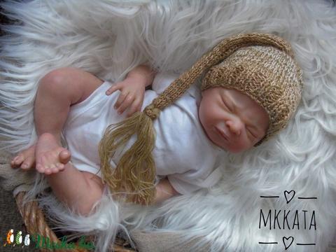 Kötött baba sapka fotózásra 0-2 hónapos méret  - Meska.hu