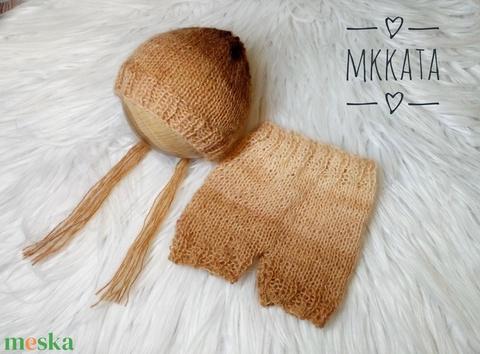 Kötött baba sapka + nadrág szett 0-2 hónapos méret  - ruha & divat - babaruha & gyerekruha - babafotózási ruha és kellék - Meska.hu
