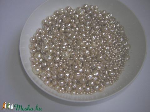 Fél kg Ömlesztett bézs tekla gyöngy vegyes beige üveggyöngy - Meska.hu