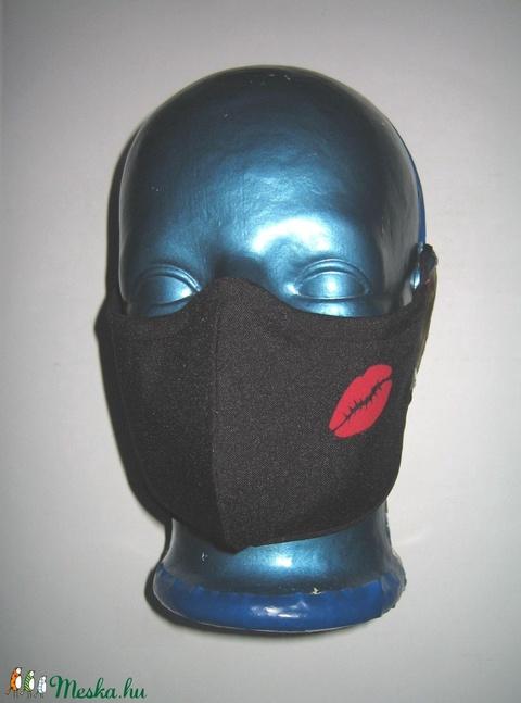 Orrmerevítős szájmaszk fülre akasztható arcmaszk textil maszk Fekete piros rúzsnyom - Meska.hu