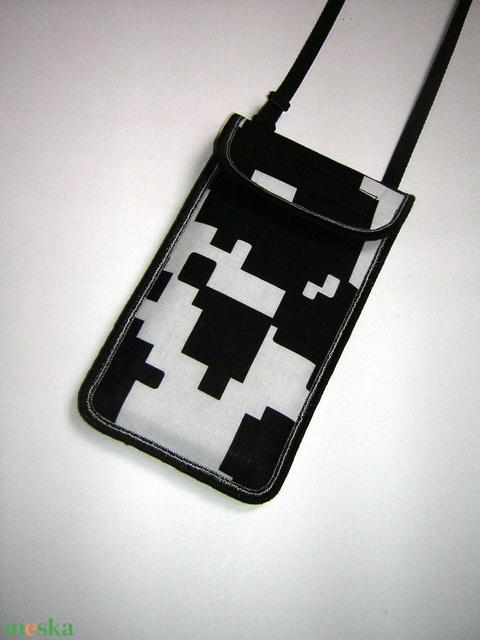 Telefontok Plus-os méretű telefonokhoz Pixel mintás telefontartó állítható pánttal   - Meska.hu