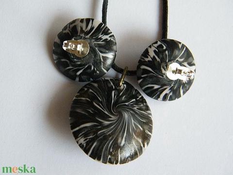 Fekete rózsa ékszerszett medál és fülbevaló - Meska.hu