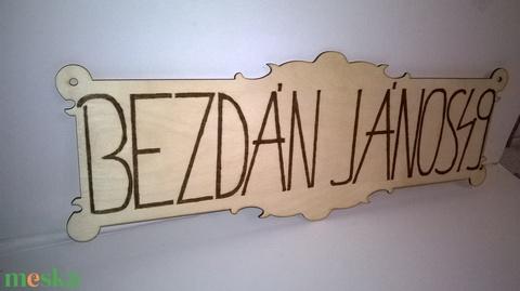 Utcanév tábla fából (nagyfanyuvo) - Meska.hu