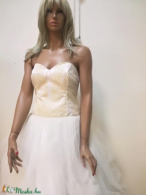 Menyasszonyi ruha (nagyilona) - Meska.hu