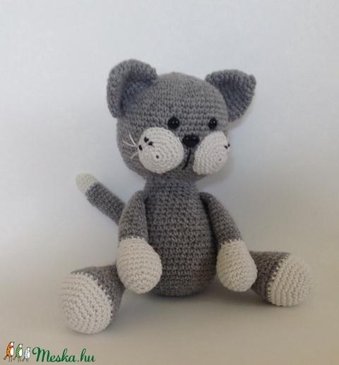 Szürke cica - amigurumi (Nagymamus) - Meska.hu