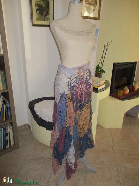 Több féle képpen viselhető női ruha, poncsó, szoknya, ahogy tetszik - Meska.hu