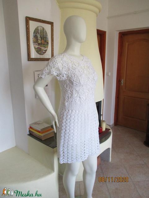 Csillanó fehér horgolt menyasszonyi ruha - Meska.hu
