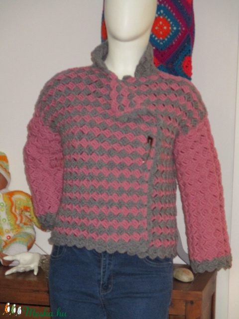 Gyapjú tartalmú fonalból készült női kabát - Meska.hu