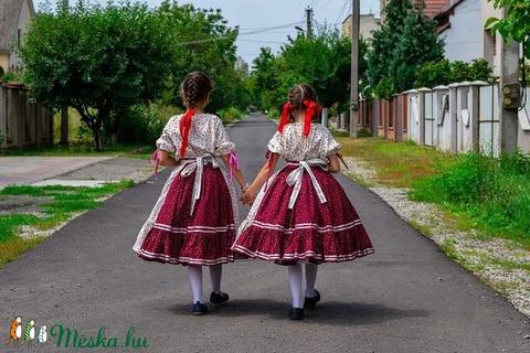 Szatmári lányka viselet (nepviselet) - Meska.hu