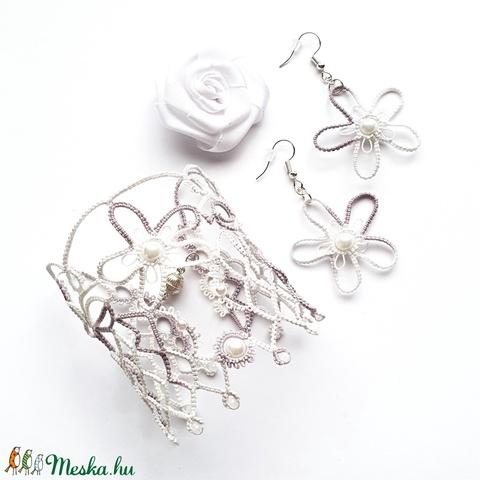Hajócsipke karkötő, csipke ékszer, szürke és fehér melírozott csipkés kiegészítő, romantikus gyöngyös kézelő - Meska.hu