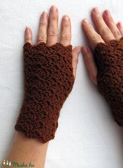 Kabwe- kézmelegítő. S-M méretű.  Meleg, puha és elegáns csikemintás horgolt kézmelegítő (ChristieHomemade) - Meska.hu