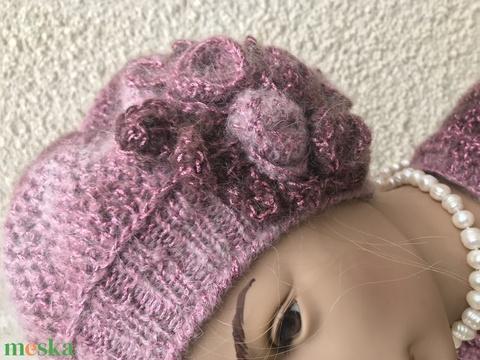 Horgolt meggyszínű rózsaszín pink mohair barett sapka rózsás díszekkel (noesz65) - Meska.hu