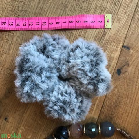 Prémes minőségi műszőrme fonalból hajdísz hajgumi scrunchie  (noesz65) - Meska.hu