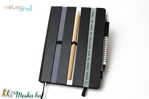 XL-es határidőnapló/notesz-fekete-szürke-fehér (noteshell) - Meska.hu