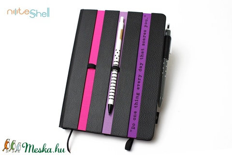 XL-es határidőnapló/notesz-fekete-csíkos-lila-pink (noteshell) - Meska.hu