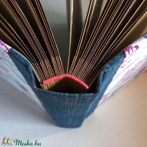 M-es egyedi fotóalbum-pillangós/farmer-újrahasznosított papírból és ruhákból-környezetbarát emlék (noteshell) - Meska.hu