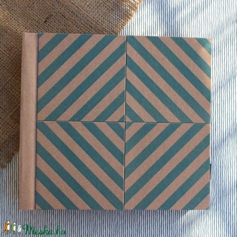 Eco négyzetes fotóalbum védőtokkal - kék halszálka mintás (noteshell) - Meska.hu