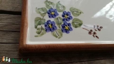 Kikelet..... tavaszi virág koszorú egyedi kerámia utcanévtábla (ntakeramia) - Meska.hu