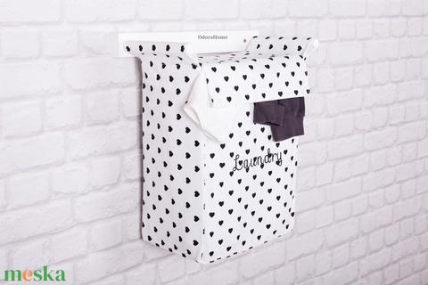 Szennyestartó monokróm fekete fehér színben - fali szennyestartó - plüssállat tároló - textil zsák - fürdőszobai tárolás (OdorsHome) - Meska.hu