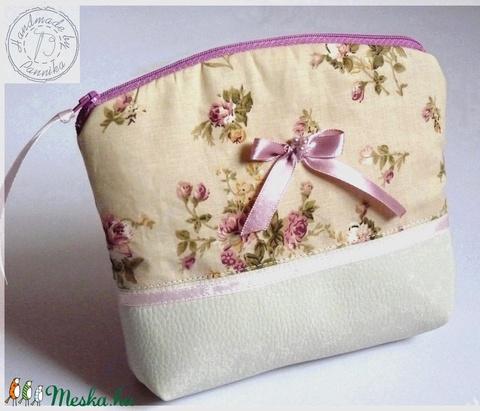 AkciÓÓ! 3400 helyett...Vintage textilbőr kis táska, neszesszer  - Meska.hu