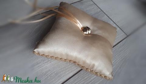 Gyűrűpárna, esküvő, arany színű (Pantvirag) - Meska.hu