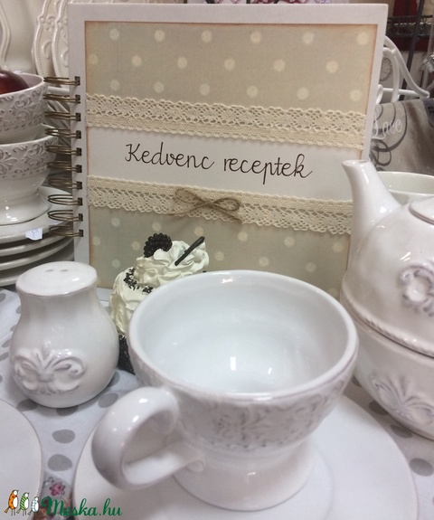 A pöttyös mindig menő -receptkönyv, Családi receptek, Nászajándék, Anya-lánya ajándék, Hagyományok, Értékőrzés (papirosbolt) - Meska.hu