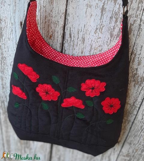 Pipacsok fekete színű  kord pakolós táska (patonaifabian) - Meska.hu