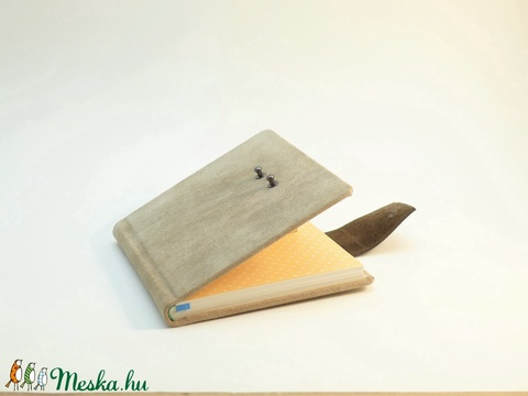 Marvin - notesz, napló, emlékkönyv - drapp velúr bőr 16x16 cm - 301 - Meska.hu