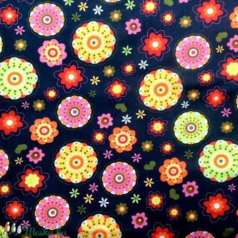 Egyedi sötétkék szines virág mintás -  gyerek szájmaszk - textil szájmaszk  - mosható szájmaszk (Pindiart) - Meska.hu