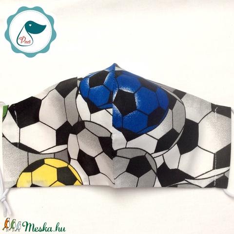 Férfi focilabdás maszk -egyedi arcmaszk - textil szájmaszk - egészségügyi szájmaszk - mosható maszk (Pindiart) - Meska.hu