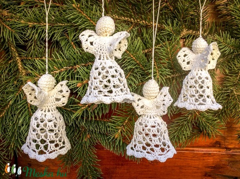 Egyedi 4db horgolt angyalka- Karácsonyfa dísz - karácsonyi dekorácíó- karácsonyi ajándék  (Pindiart) - Meska.hu
