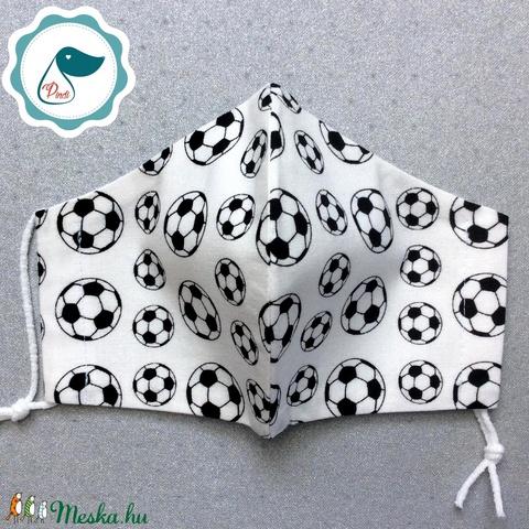 Egyedi futball labdás maszk - kiskamasz arcmaszk - textil szájmaszk - egészségügyi szájmaszk - mosható szájmaszk - Meska.hu