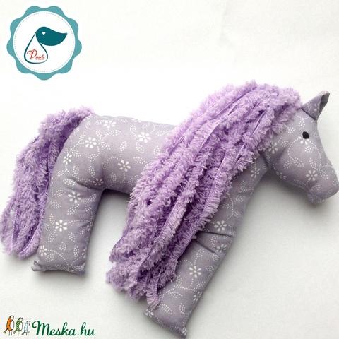 Lovacska - Lila virágos egyedi tervezésű kézműves játék - ló textiljáték  - Meska.hu