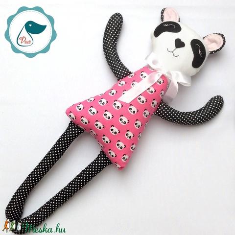 Panda lány - Egyedi tervezésű kézműves textil játék - pandamaci játék - panda textilfigura - Meska.hu