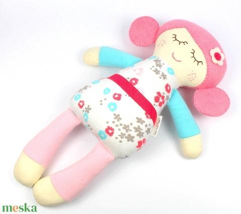 Alvó Kislány Organikus Textilbaba, Játékbaba, Textil baba, Textil Játék, Rongybaba - Rózsaszin Kék Virágos Bella (poppydolls) - Meska.hu