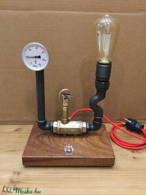 005 – Subm - asztali lámpa (PipeArt) - Meska.hu
