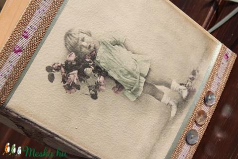 Kapcsos mappa, vintage kislánnyal.  :-) - Meska.hu