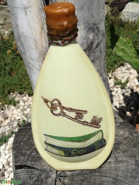 Transzferált italos üveg,