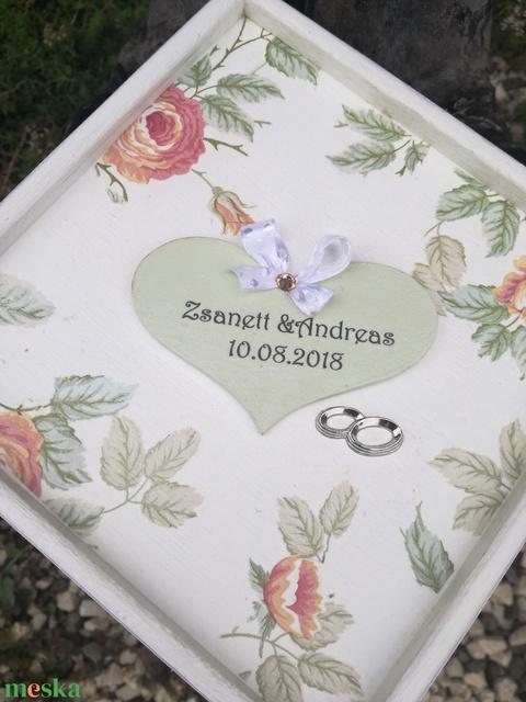 Egyedi feliratos díszdoboz, esküvőre, vagy bármilyen más ünnepi alkalomra. - RENDELHETŐ - Meska.hu