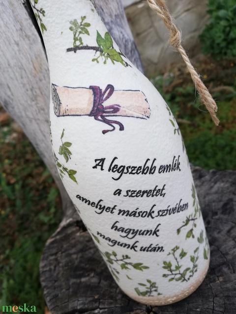 A ballagó fiú, ajándéka, egyedi mintákkal, feliratozva. Italos üveg, névvel, ballagásra. :-) - Meska.hu