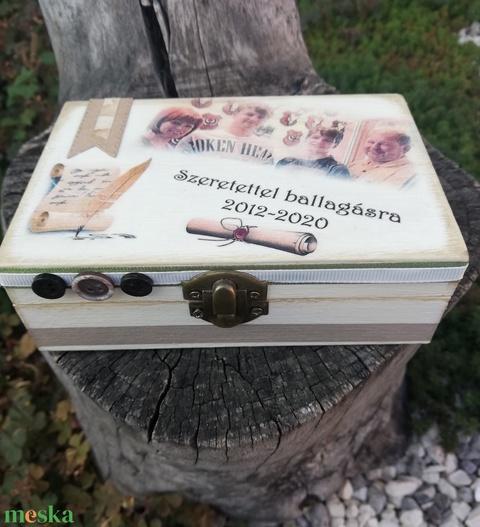 Fényképes és feliratos ballagási emlékdoboz.   :-) - Meska.hu